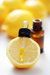 bigstock_Lemon_Essential_Oil_6079145